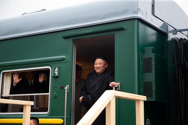 Những hình ảnh đầu tiên của ông Kim Jong-un trong chuyến thăm Nga - 3