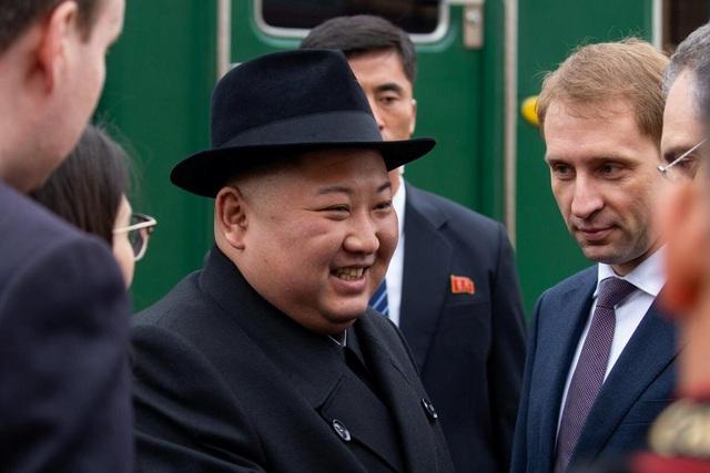 Những hình ảnh đầu tiên của ông Kim Jong-un trong chuyến thăm Nga - 6