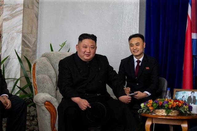 Những hình ảnh đầu tiên của ông Kim Jong-un trong chuyến thăm Nga - 10
