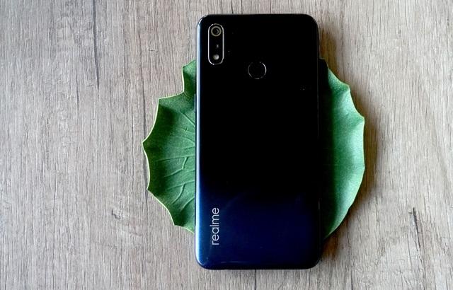 """Đánh giá Realme 3: pin """"trâu"""", camera tốt trong tầm giá 4 triệu - 1"""