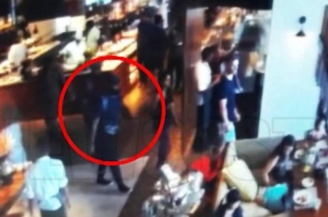 Tiếp tục rò rỉ hình ảnh kẻ đánh bom khiến 320 người chết tại Sri Lanka - 1