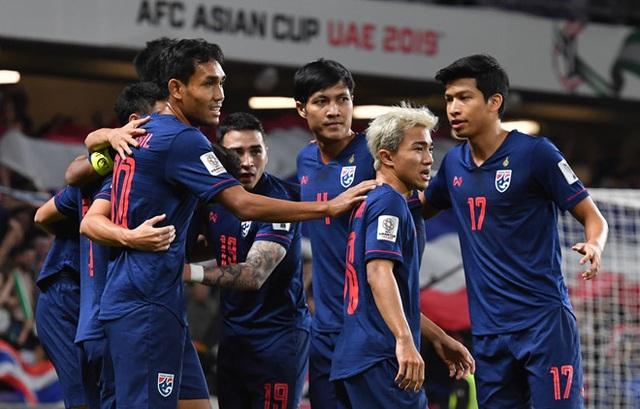 Toan tính đánh bại Việt Nam, bóng đá Thái Lan chưa vươn nổi ra biển lớn - 2