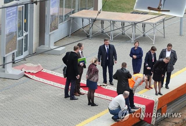 Nga trải thảm đỏ sẵn sàng đón tiếp ông Kim Jong-un - 2