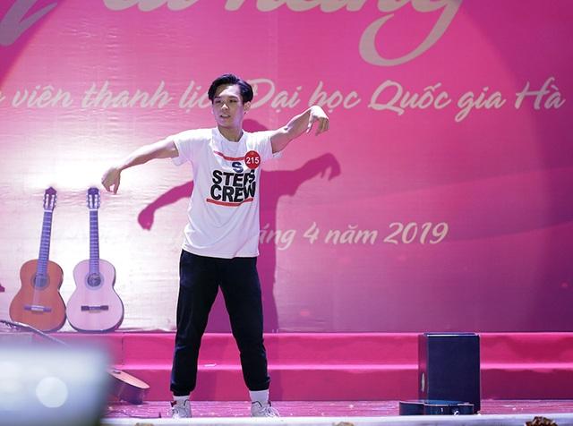 Ngắm vũ điệu quyến rũ của nữ sinh ĐH Quốc gia Hà Nội - 10