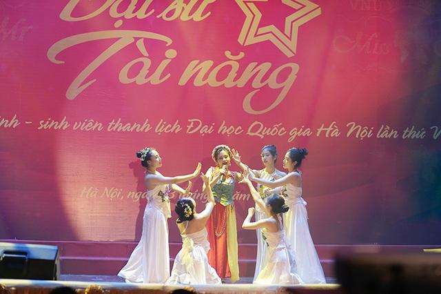 Ngắm vũ điệu quyến rũ của nữ sinh ĐH Quốc gia Hà Nội - 5