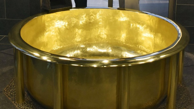 Try To Make Giants Soak In Gold Baths Worth Over 7 1