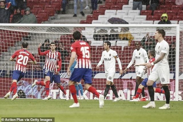 Atletico đánh bại Valencia, Barcelona chưa thể vô địch La Liga - 2