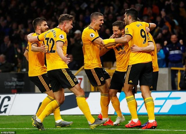 """Wolves 3-1 Arsenal: """"Pháo thủ"""" nhanh chóng bị """"thổi bay"""" - 1"""