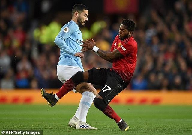Man Utd 0-2 Man City: Chiến thắng của đẳng cấp - 10