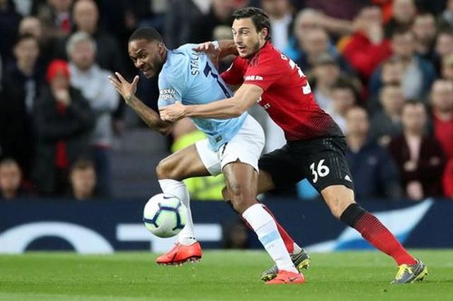 Man Utd 0-2 Man City: Chiến thắng của đẳng cấp - 13