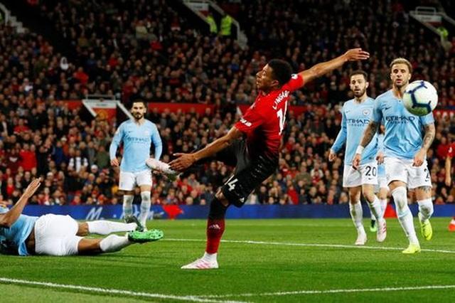 Man Utd 0-2 Man City: Chiến thắng của đẳng cấp - 5