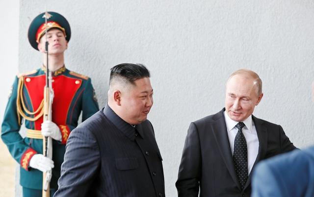 Ông Putin lần đầu gặp ông Kim Jong-un, ủng hộ Triều Tiên bình thường hóa quan hệ với Mỹ - 2