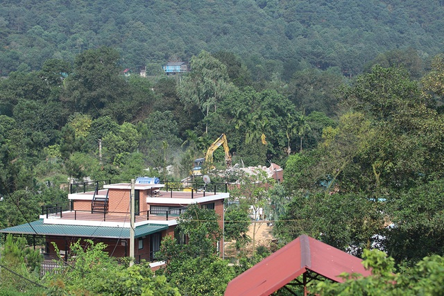 Sóc Sơn đang phá dỡ các công trình vi phạm trên đất rừng - 2
