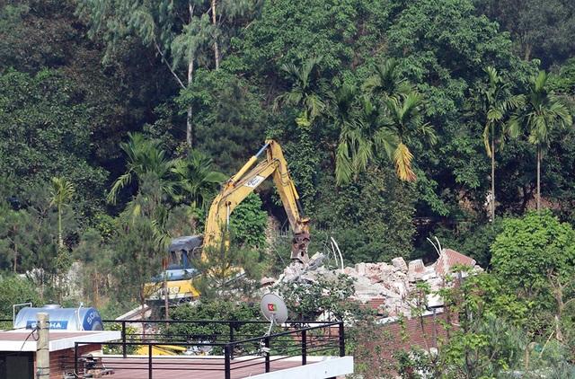 Sóc Sơn đang phá dỡ các công trình vi phạm trên đất rừng - 8