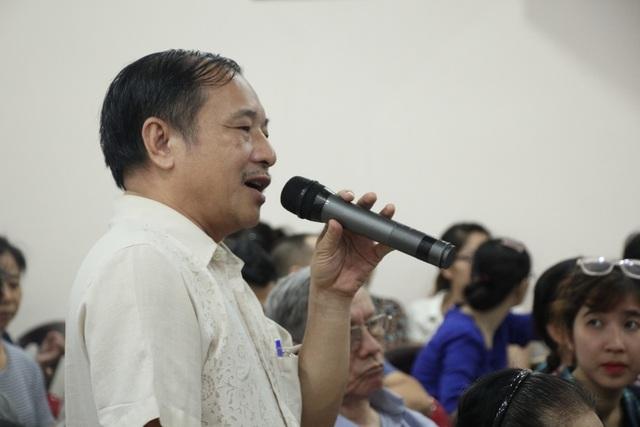 TPHCM: Ông Đoàn Ngọc Hải thuyết phục cư dân rời chung cư sắp sập - 3