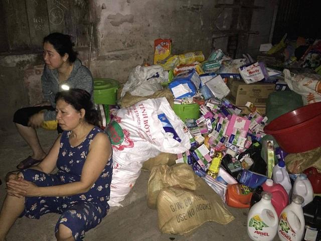 Chợ cháy ngùn ngụt lúc nửa đêm, tiểu thương bất lực đứng nhìn tài sản thành tro - 6