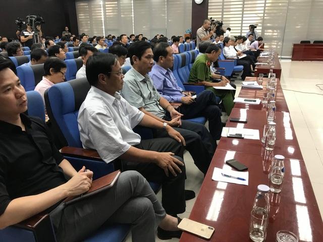 Đà Nẵng không sử dụng chai nhựa trong các cuộc họp - 1
