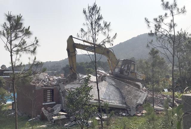 Sóc Sơn đang phá dỡ các công trình vi phạm trên đất rừng - 3