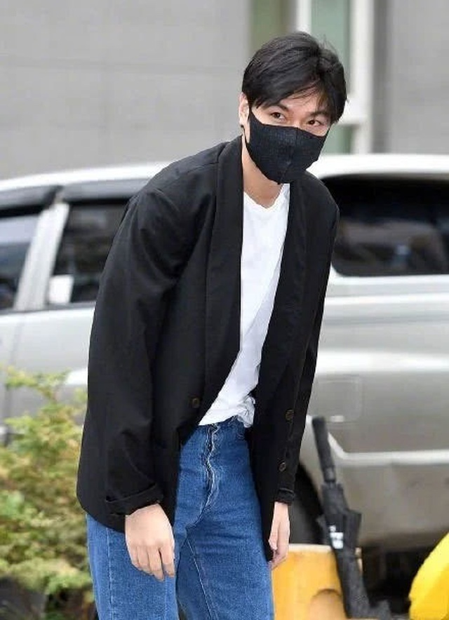 Fan tụ tập đón Kim Tan Lee Min Ho xuất ngũ - 6