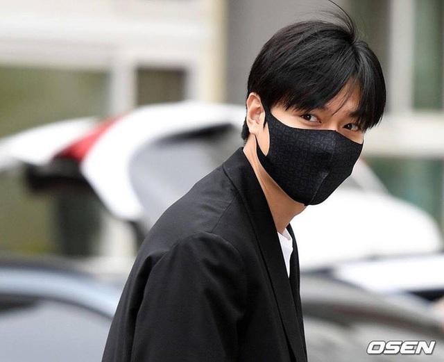 Fan tụ tập đón Kim Tan Lee Min Ho xuất ngũ - 7
