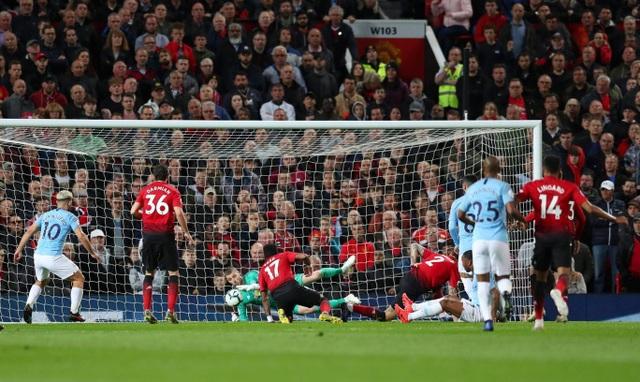 Những khoảnh khắc hạnh phúc của Man City ở chiến thắng trước Man Utd - 9