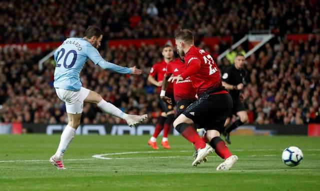Những khoảnh khắc hạnh phúc của Man City ở chiến thắng trước Man Utd - 15