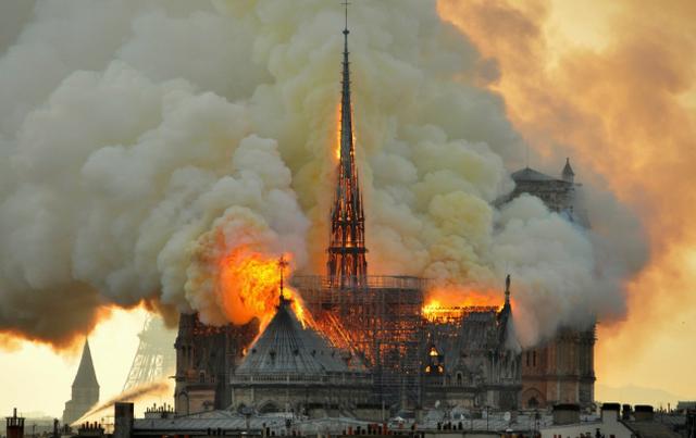 Tình tiết mới về nguyên nhân cháy Nhà thờ Đức Bà Paris - 1