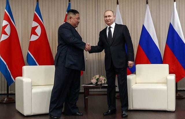 Ông Putin tiết lộ nội dung họp kín 2 giờ đồng hồ với ông Kim Jong-un - 1