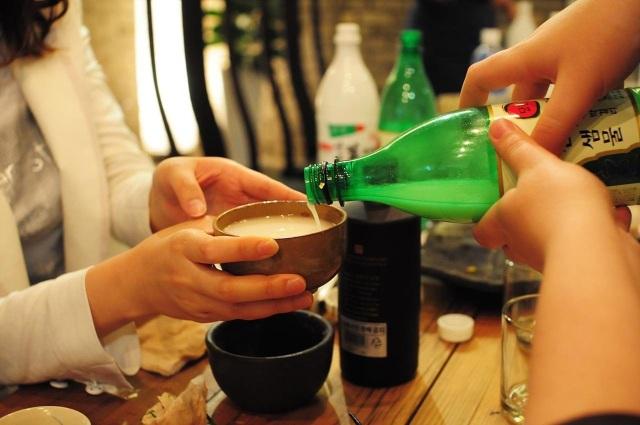 Văn hóa uống rượu bia an toàn và ý thức bảo vệ sức khỏe của người Hàn Quốc - 1