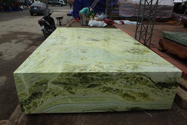 Sập ngọc nguyên khối nặng chục tấn: Đại gia bỏ tiền tỷ nằm mát lưng - 11