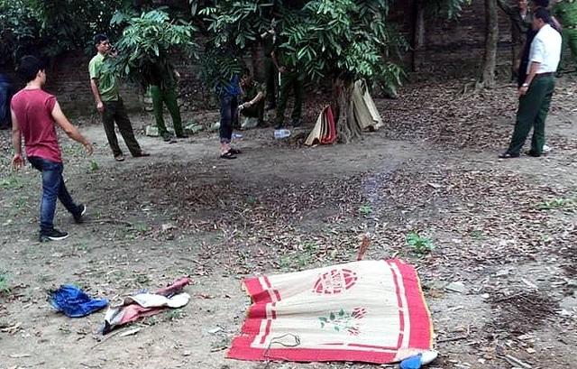 Hà Nội: Thi thể bé trai 7 tuổi trong vườn nhà bác rể - 1