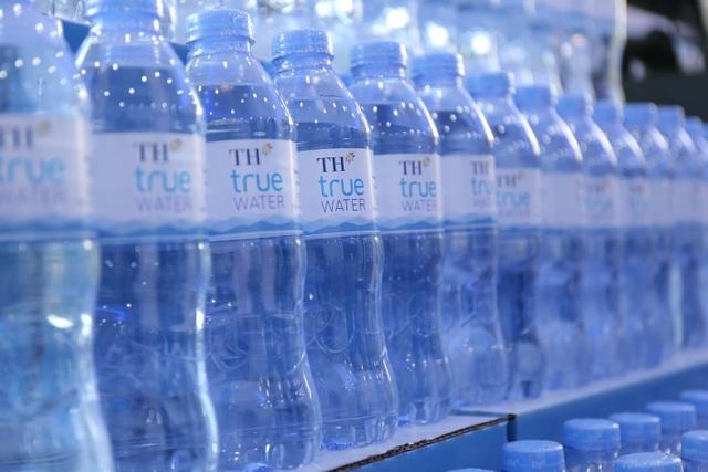 Các nhà khoa học trắc địa thế giới yêu thích loại nước uống từ mạch ngầm núi lửa Việt Nam - 4