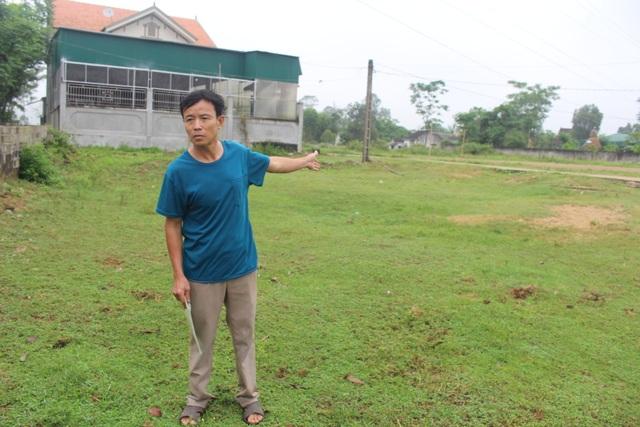 Hà Tĩnh: Tiền mua đất bị xã tiêu sạch, dân dài cổ chờ sổ đỏ! - 2