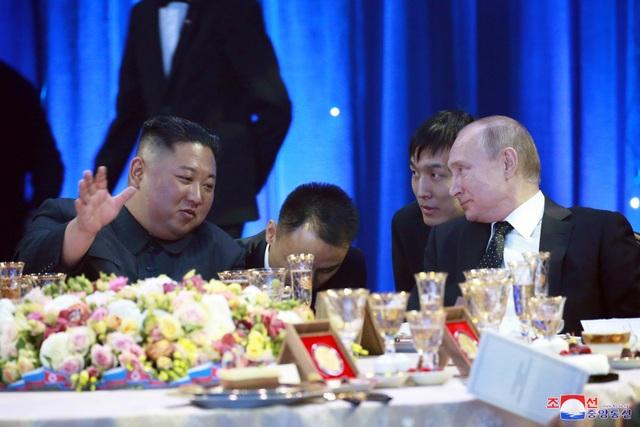 Thông điệp phía sau nụ cười của lãnh đạo Nga - Triều trong cuộc gặp lịch sử - 2