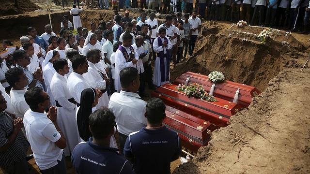 Sri Lanka nói số người chết trong đánh bom giảm xuống 253 vì thống kê nhầm - 1