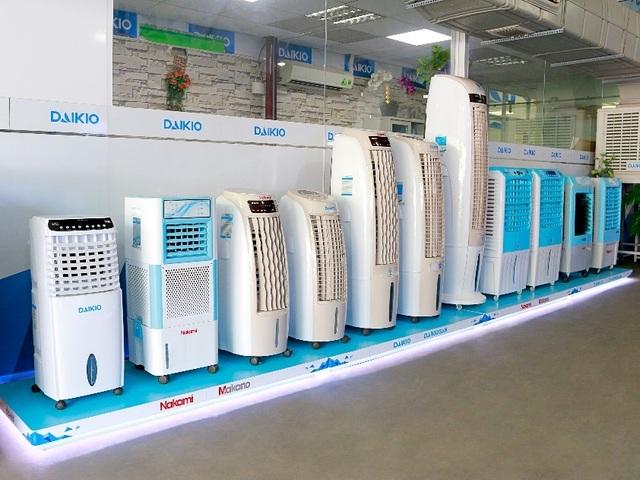 Cửa hàng, siêu thị điện máy vừa mừng vừa lo khi nắng nóng tới - 3