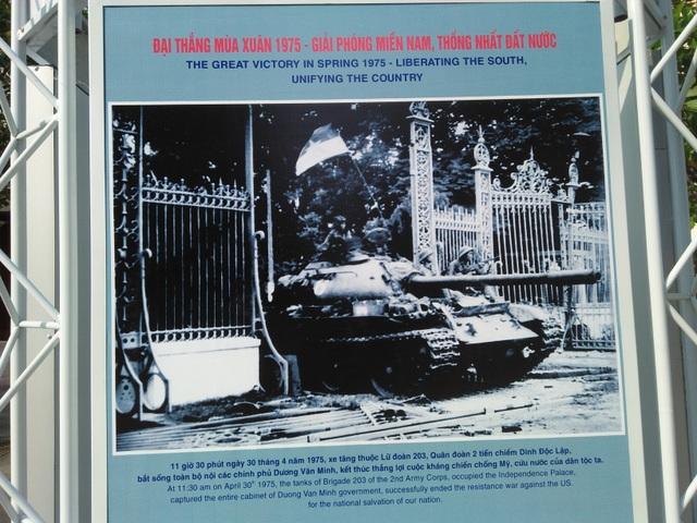 TPHCM tổ chức triển lãm ảnh trên đường phố kỷ niệm đại lễ 30/4 - 2