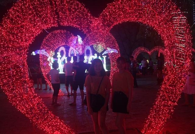 Hấp dẫn với lễ hội ánh sáng lần đầu tiên tại thành phố biển Sầm Sơn - 9