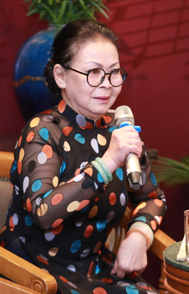 """Khánh Ly bị """"ném đá"""" khi hát cùng Chế Linh, Bằng Kiều... - 2"""