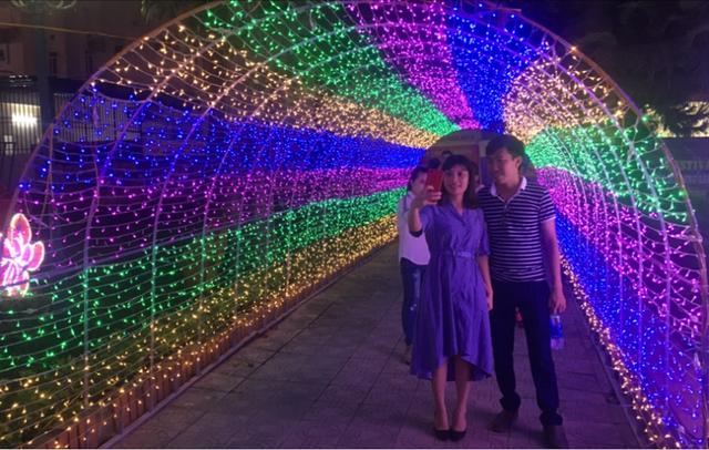 Hấp dẫn với lễ hội ánh sáng lần đầu tiên tại thành phố biển Sầm Sơn - 8