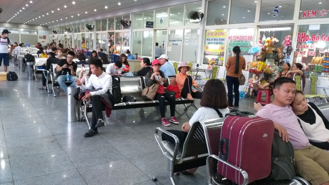 Cửa ngõ Hà Nội ùn tắc kinh hoàng khi người dân đổ về quê nghỉ lễ 30/4 - 16