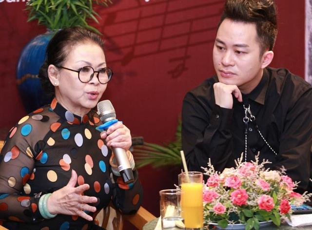"""Khánh Ly bị """"ném đá"""" khi hát cùng Chế Linh, Bằng Kiều... - 1"""