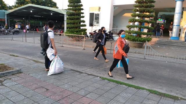 Cửa ngõ Hà Nội ùn tắc kinh hoàng khi người dân đổ về quê nghỉ lễ 30/4 - 14