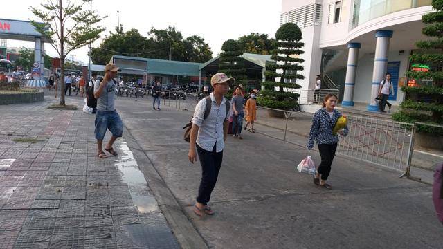 Cửa ngõ Hà Nội ùn tắc kinh hoàng khi người dân đổ về quê nghỉ lễ 30/4 - 13