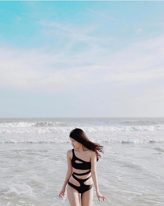 Nữ game thủ xinh đẹp Trinh Xíu khoe dáng với bikini cut-out - 3