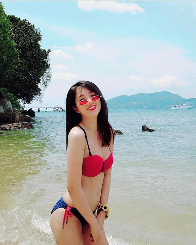 Nữ game thủ xinh đẹp Trinh Xíu khoe dáng với bikini cut-out - 6