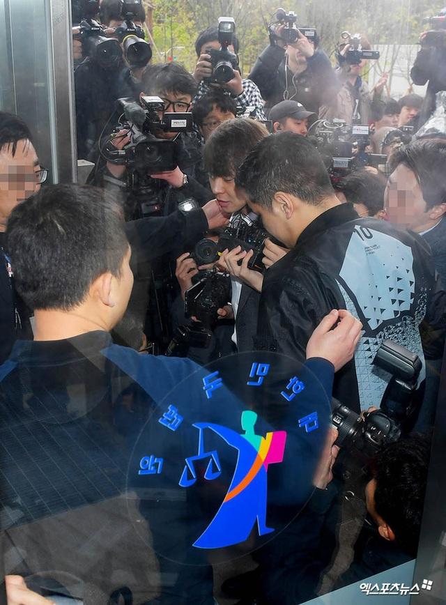 """""""Hoàng tử gác mái"""" Park Yoochun chính thức bị bắt vì tội sử dụng ma túy - 1"""