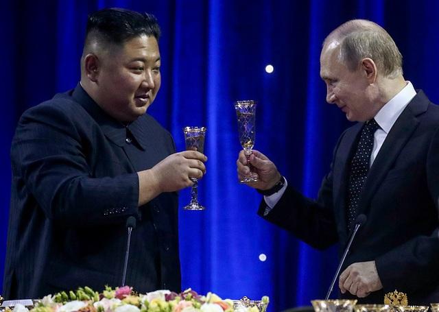 Những hình ảnh ấn tượng về chuyến thăm Nga lịch sử của ông Kim Jong-un - 13