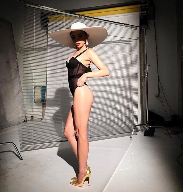 Hà Hồ, Kỳ Duyên và dàn mỹ nhân đua nhau diện áo tắm sexy, du hí sang chảnh - 13