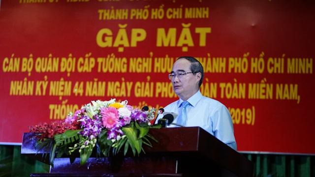 Bí thư Nguyễn Thiện Nhân trò chuyện với các tướng lĩnh nghỉ hưu - 3